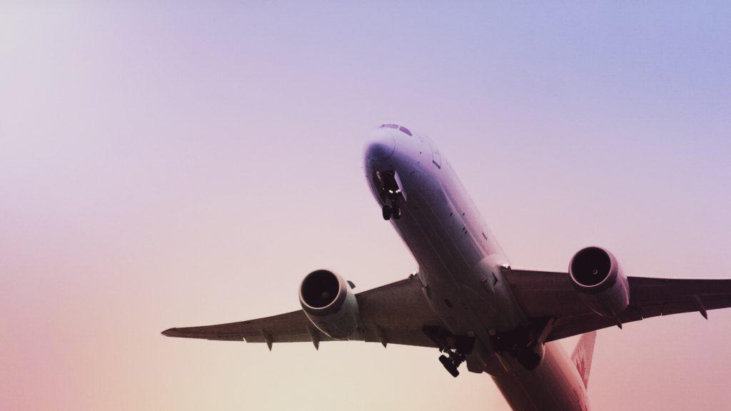 ANA、JALは外国籍でも日本ベースCAになれるのか?